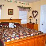 87-1131_bedroom